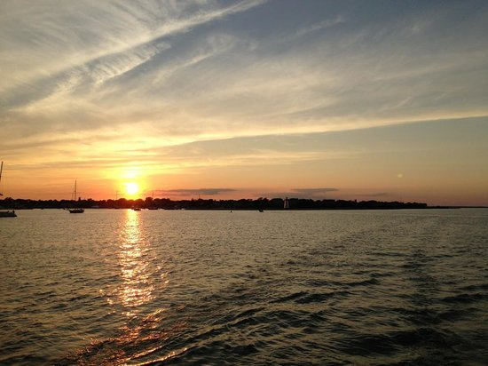 Mad Max Sailing: Sunset over Edgartown