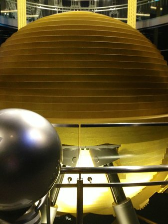 The stabilising ball taipei 101 picture of taipei 101 for Taipei tower ball