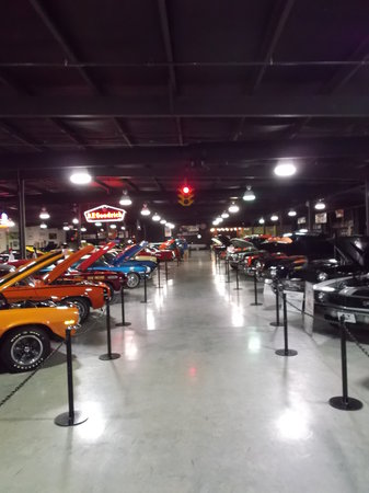Floyd Garrett's Muscle Car Museum: Muscle Cars