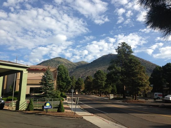 Days Inn & Suites East Flagstaff: Lovely morning view