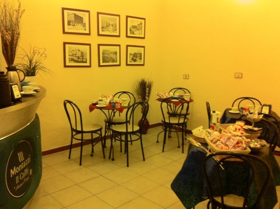Hotel Pensione Romeo: saletta per colazione