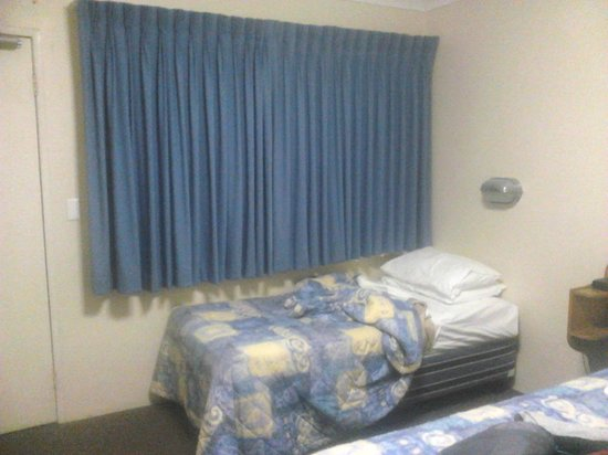 Gateway Motel: Basic 2.5 star twin room