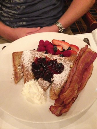 Fairmont Winnipeg: Maple butter french toast with Saskatoon berry compote