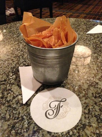 The Fairmont Winnipeg: Homemade chips at the Lounge