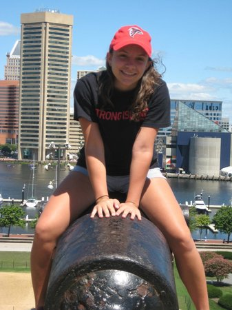 Federal Hill Park: My girl on top of the cannon