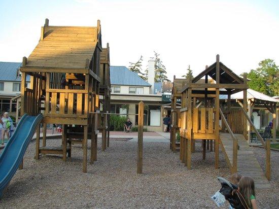 Holiday Inn Club Vacations Oak n' Spruce Resort: On site playground