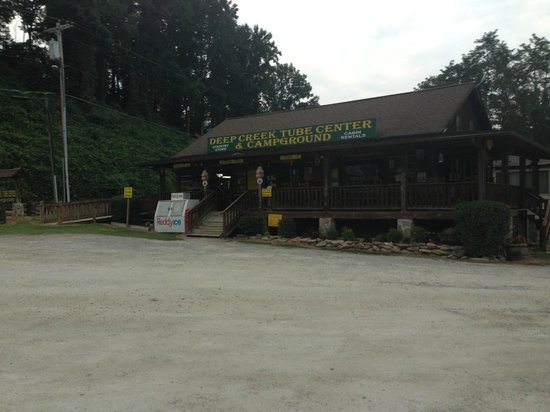 Creekside Cabins: Deep Creek Tube Center and Campground (right beside creekside)