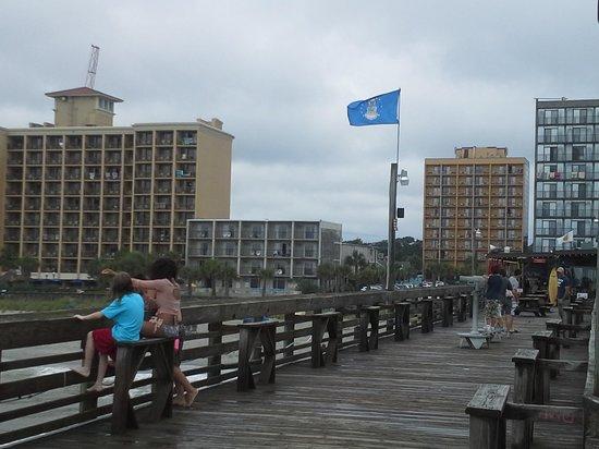 Aqua Beach Inn : Hotel is 2nd from the right.