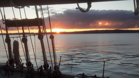 Tall Ship Manitou - Day Tours: Sunrise on the Manitou.