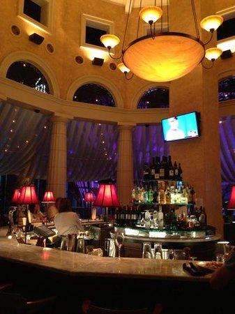 Brio Tuscan Grill: Bar