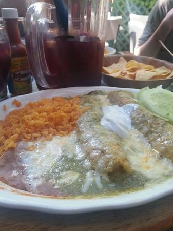 El Cantinero: Enchiladas - less than $10