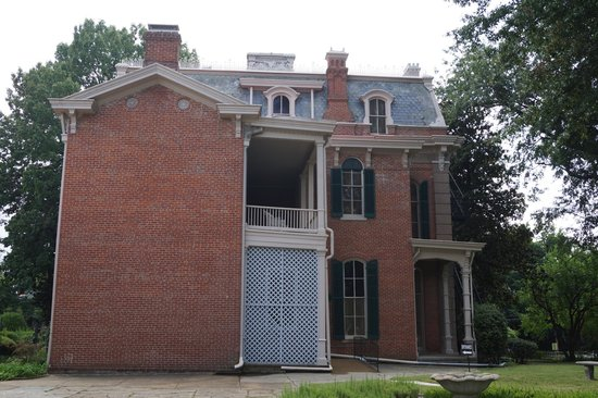 Woodruff-Fontaine House: Rear of house