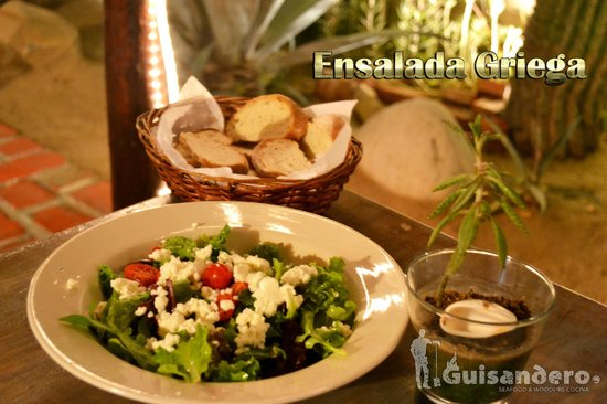 Guisandero: Greek Salad/ Ensalada Griega