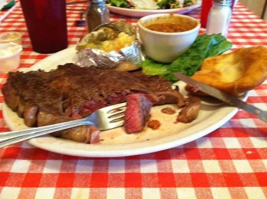 Susie's Branding Iron Restaurant: 16oz rib-eye