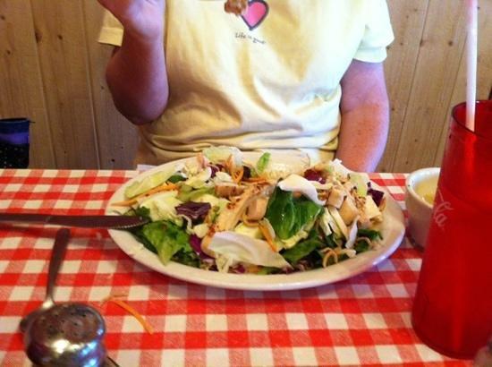 Susie's Branding Iron Restaurant: Oriental Chicken Salad