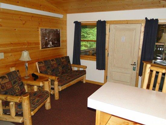 Douglas Lodge: Itasca Suites Living Room