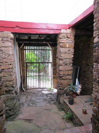 Guignard House Museum: Parte Inferior acesso ao Pátio.