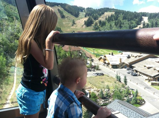 J&G Grill: Enjoying the ride in the Funicular!