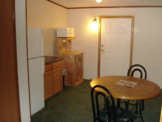 Comfort Green Motel: Dining in room 23