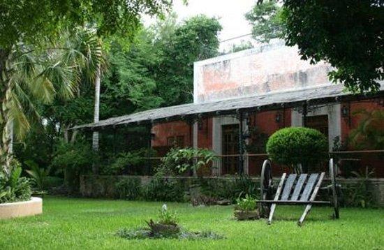 Hacienda Xcanatun: Jardines