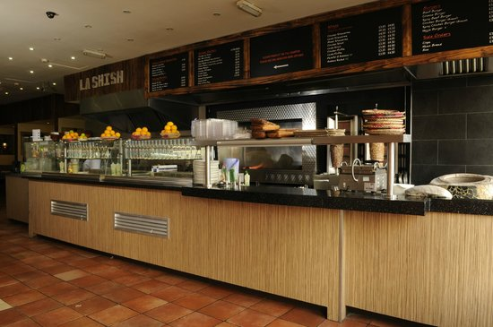La Shish Restaurant: Open plan kitchen