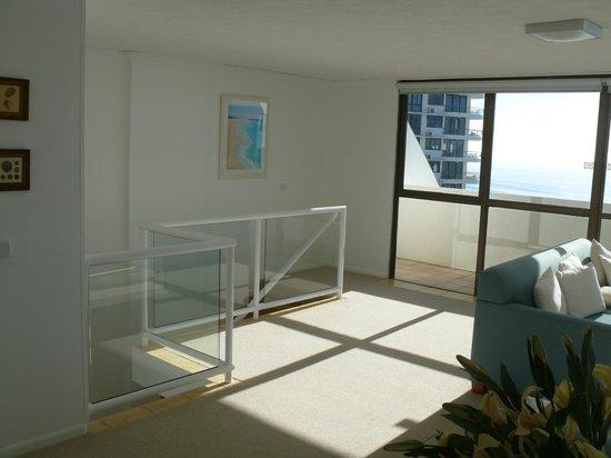 Ocean Royale: Living room