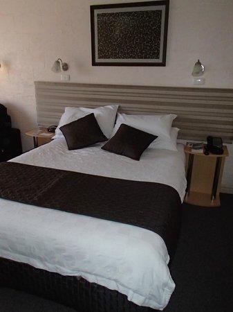 Balmoral on York : Nice linen, comfy bed
