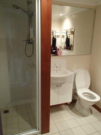 Balmoral on York : Clean, neat bathroom