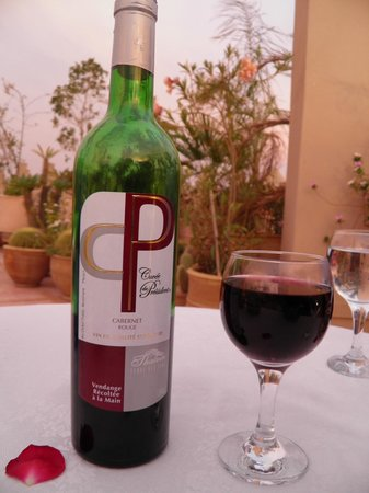 Riad Kniza: delicious wine with dinner