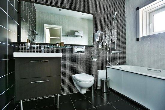 Kupecheskiy Dvor Hotel: Номер студия, ванная комната