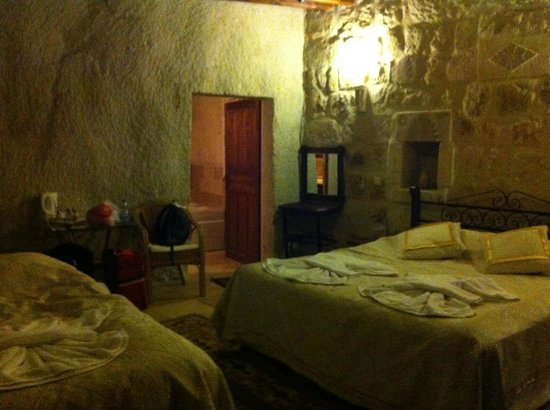 Dervish Cave House: Triple room=1 double bed + 1 single bed