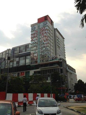 Empire Hotel Subang : Empire Hotel taken at opposite Subang Parade