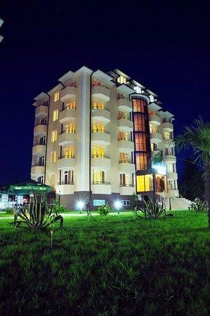 Pitsunda, จอร์เจีย: ночной отель