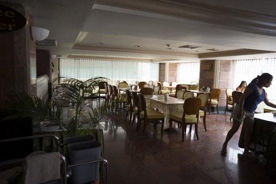 Ayothaya Hotel : 朝食の場所