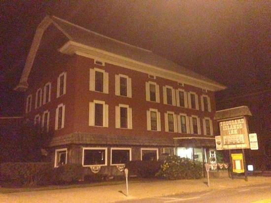 Thousand Islands Inn: The Inn at night. Creepy.