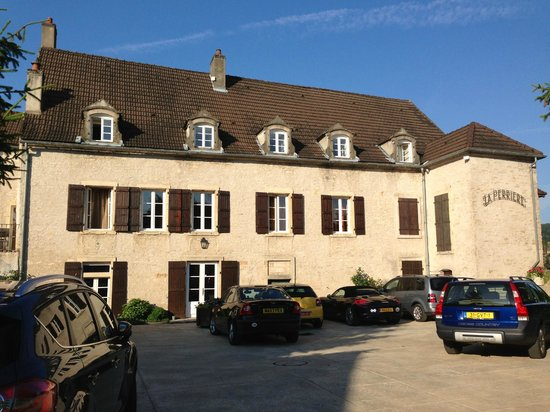 Hotel de Vougeot : Parking Lot in the Back