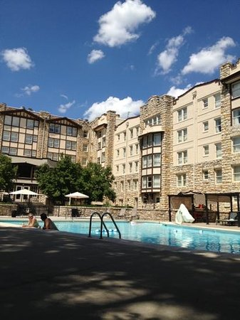 The Elms Hotel and Spa: pool on a hot July day... perfect