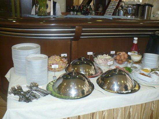 Voznesensky Hotel: Завтрак