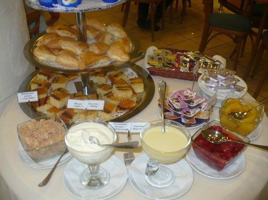 Voznesensky Hotel: На завтраке