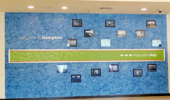 Hampton by Hilton Vadodara-Alkapuri: Near Reception