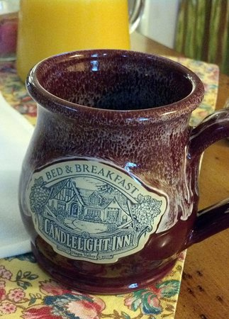 Candlelight Inn Napa Valley : We purchased some of these - great mugs