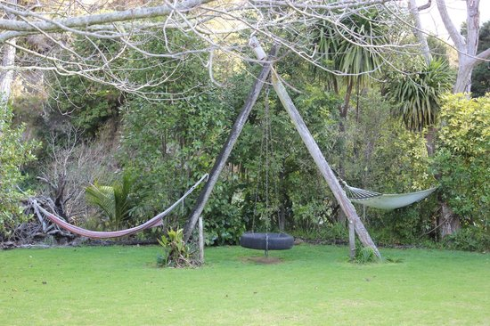 Te Mata Lodge: Chill out in the hammocks!
