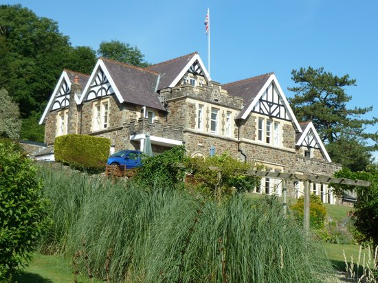 Yeoldon House Hotel: Hotel from the gardens