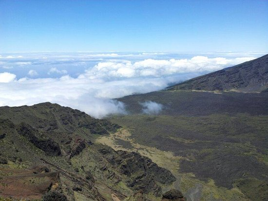 Haleakala Highway (Crater Road): Ontop of the clouds