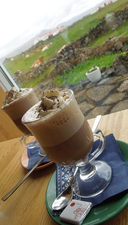 Vogafjos Cowshed Cafe: Hot chocolate