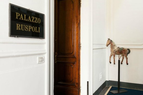 Palazzo Ruspoli: Hotel Corridor