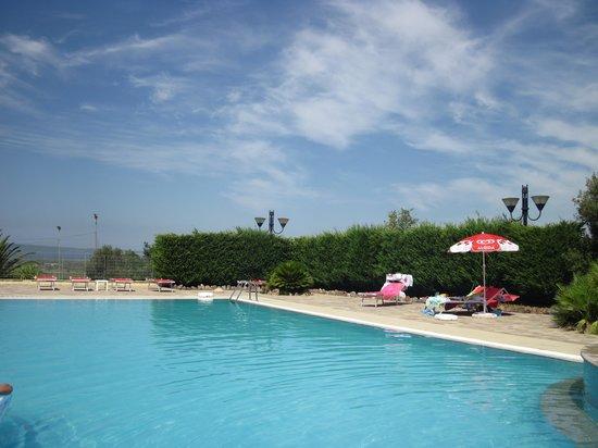 Hotel Punta Giara: La piscina