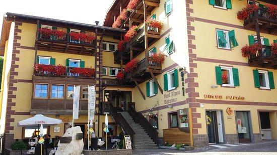 Hotel & Restaurant Alpino: Facade Hôtel