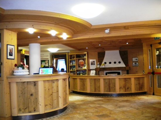Hotel & Restaurant Alpino: Acceuil et Réception