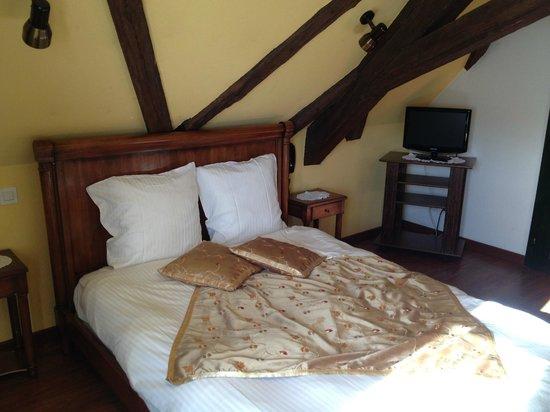 La Cour du Bailli Residence Hoteliere : Chambre à améliorer